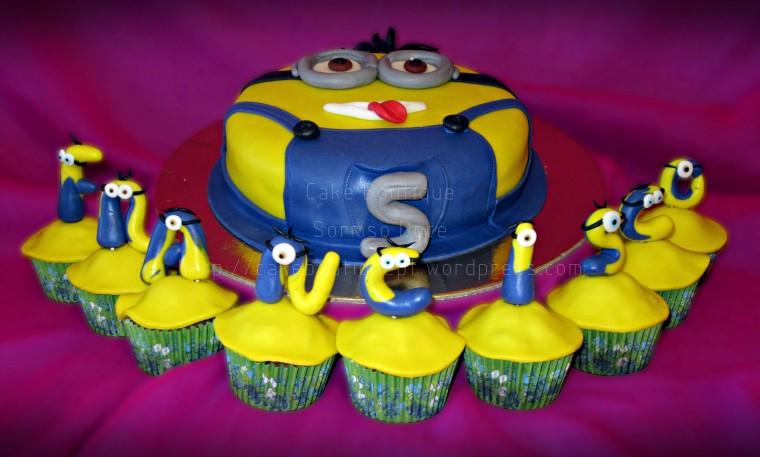 Bolo e Cupcakes Minion